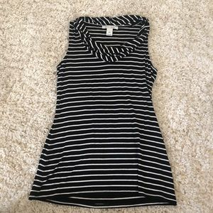 White House black market top size extra small